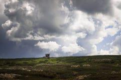 Abandondhuis op de berg Stock Afbeelding