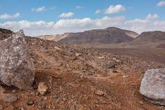 Desierto con las rocas Fotografía de archivo