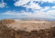 Abandone el paisaje cerca del mar muerto de Masad Fotos de archivo