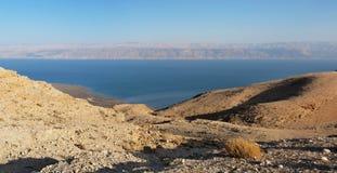 Abandone el paisaje cerca del mar muerto en la puesta del sol Fotografía de archivo libre de regalías