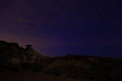 Abandone el paisaje en la noche en Bardenas Reales de Navarra, España Foto de archivo libre de regalías