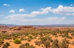 Abandone el paisaje rocoso del sudoeste de los E.E.U.U. Valle rocoso del desierto en Arizona Foto de archivo