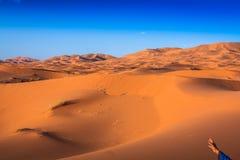 Abandone la duna en el ergio Chebbi cerca de Merzouga en Marruecos Foto de archivo