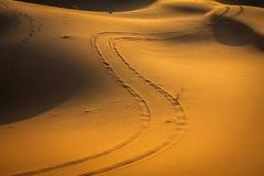 Abandone la duna en el ergio Chebbi cerca de Merzouga en Marruecos Imágenes de archivo libres de regalías