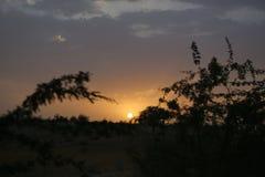 Abandone la puesta del sol, Tharparkar, Sind, Paquistán Imagen de archivo libre de regalías