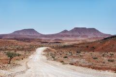 Abandone las dunas de arena en Namibia meridional tomada en enero de 2018 Imagenes de archivo