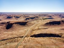 Abandone las dunas de arena en Namibia meridional tomada en enero de 2018 Imágenes de archivo libres de regalías