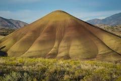 Abandone las formas y los colores, colinas pintadas, Oregon Imagenes de archivo