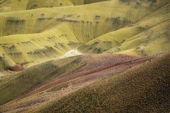 Abandone las formas y los colores, colinas pintadas, Oregon Foto de archivo