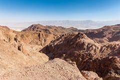 Abandone las montañas que los acantilados de la roca gorge, viaje Israel del barranco de Negev Fotografía de archivo libre de regalías