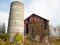 Abandoned barn in autumn Royalty Free Stock Images