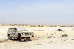 Abandoned car in Ash Shuwaymiyyah (Oman) Royalty Free Stock Photos
