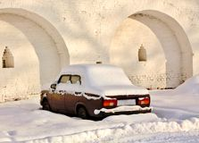 Abandoned car in winter Royalty Free Stock Photos