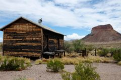 Abandoned Desert Cabin Royalty Free Stock Photography