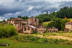 Abandoned fördärvade byn Arkivbild