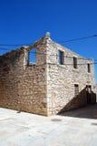 Abandoned fördärvade huset i ön Susak, Kroatien Royaltyfri Fotografi