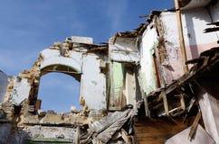 Abandoned fördärvade medeltida byggnad med blå himmel, Odessa, Ukraina Fotografering för Bildbyråer