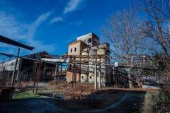 Abandoned fördärvade växten för förstärkt betong i Abchazien Fotografering för Bildbyråer