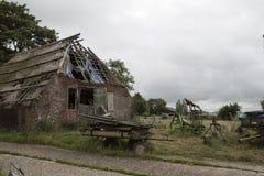 Abandoned fördärvar av ett holländskt lantbrukarhem Royaltyfri Bild