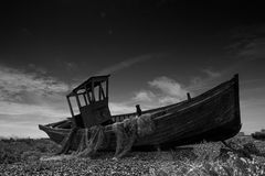 Abandoned fishing boat at Dungeness. Royalty Free Stock Photos