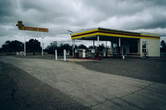 Abandoned gas station in Moriarty, New Mexico. Royalty Free Stock Images