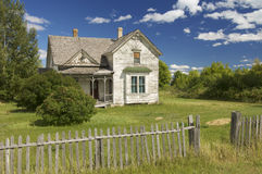 Abandoned house in a meadow. Wyoming; Usa Royalty Free Stock Photography