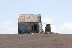 Abandoned House. An old abandoned cottage on a farm Royalty Free Stock Photography