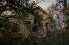 Abandoned hunting lodge Royalty Free Stock Photography