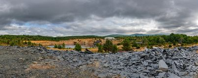 Abandoned kritiserar min panorama med vattenhålet Royaltyfri Foto