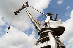 Abandoned looking old large industrial crane Royalty Free Stock Photos