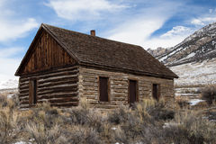 Abandoned old homestead log cabin Stock Photo