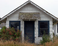 Abandoned  Old White House. Abandoned and Weathered Old White House at the beach Royalty Free Stock Photo