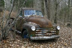 Abandoned pickup in the woods Royalty Free Stock Photos