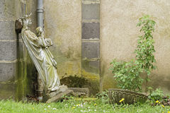 Abandoned statue Royalty Free Stock Photos
