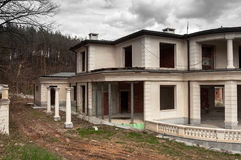 Abandoned unfinished big modern house Royalty Free Stock Images