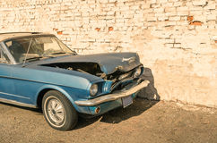 Abandoned vintage car after a frontal crash accident Royalty Free Stock Images