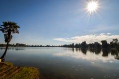Abandonendmeer in angkor archeologisch park, Kambodja stock foto