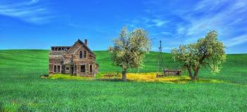 Abandonné à la maison dans les plaines Photographie stock libre de droits