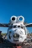 Abandonné et hélicoptère du Soviétique Mi-6 Image libre de droits