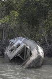 Abandonné naviguant le yacht Image libre de droits