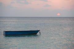 Abandonné submergé woooden le bateau Photos stock