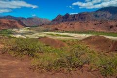 Abandonne des paysages des cochas de las de Quebrada, Argentine du nord Image stock