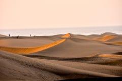 Abandonnez avec des dunes de sable dans mamie Canaria Espagne Photos libres de droits