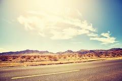 Abandonnez la route au coucher du soleil, la photo de concept de voyage, Etats-Unis Photographie stock