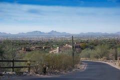 Abandonnez la vie à Scottsdale, Az avec la vue regardant Pheonix Photo stock