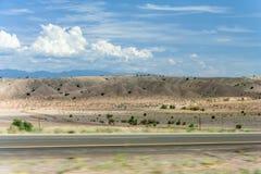 Abandonnez la vue du Nouveau Mexique sur le chemin d'Albuquerque à Santa Fe Photographie stock