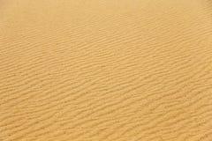 Abandonnez le fond de texture de modèle de sable du sable dans la dune Photo stock
