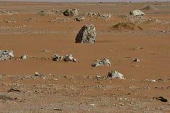 Abandonnez le sable au coeur de l'Arabie Saoudite, roches sont également vus Image stock