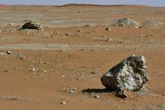 Abandonnez le sable au coeur de l'Arabie Saoudite, roches sont également vus Images stock