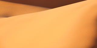 abandonnez le sable du Maroc Sahara de dunes Photos libres de droits